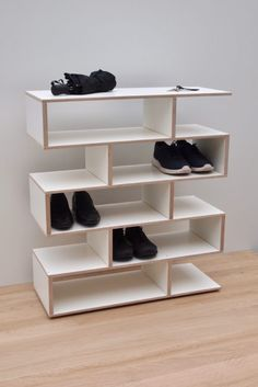 Enjoy widest range of Shoe racks( Schuhregal) from TidyBoy, it is suitable for your gallery as well as in room. Shoe rack designed in birch(Birke) and white laminate(Weiss Laminat), just visit the website and get our product. White Shoe Rack, Wood Shoe Rack, Diy Shoe Rack, Shoe Racks, White Wooden Shoe Rack, Shoe Shelves, Shelves In Bedroom, Shelving, Home Decor Furniture