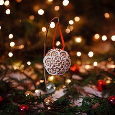 Christmas Ornaments, Holiday Decor, Instagram, Home Decor, Decoration Home, Room Decor, Christmas Jewelry, Christmas Decorations, Home Interior Design