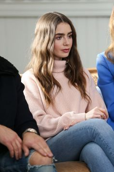 lily collins outfits best outfits - Page 27 of 100 - Celebrity Style and Fashion Trends Style Lily Collins, Lily Collins Hair, Lily Collins Casual, Lily Collins Makeup, Girl Crushes, Lily Collins Eyebrows, Lilly Colins, Pretty People, Beautiful People