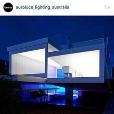 A night vista of Villa Marittima as featured on @euroluce_lighting_australia #australianarchitecture #architecture #architecturephotography #melbournearchitecture #deanbradleyphotography #robinwilliamsarchitect #deanbradleyco