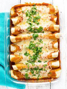 Easy Chicken Enchiladas Chicken Thights Recipes, Chicken Parmesan Recipes, Healthy Chicken Recipes, Mexican Food Recipes, Cooking Recipes, Chicken Inchiladas, Easy Mexican Dishes, Cracker Chicken, Mexican Desserts