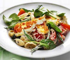 Krämig pasta med halloumi och tomat | Recept ICA.se