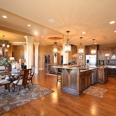 traditional kitchen by Surface to Surface Interior Design/Construction