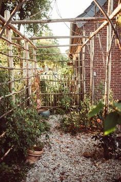 Kastanienholz Zäune und Garten Design - Staketenzaun aus Kastanienholz