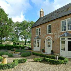 £3000 - 2 nights - 16 people - Tarrant Farmhouse