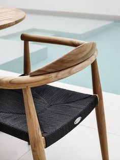 100 Modern Chairs is the ultimate source for dining chairs and armchairs inspiration. Our mission is to deliver the best-upholstered dining chairs and armchairs Chair Design Wooden, Outdoor Furniture Design, Home Furniture, Furniture Stores, Wooden Furniture, Antique Furniture, Gloster Outdoor Furniture, Furniture Websites, Furniture Logo