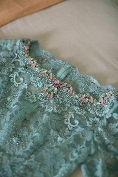 ideas embroidery bead sew for 2019 Kebaya Lace, Kebaya Hijab, Kebaya Brokat, Batik Kebaya, Kebaya Dress, Kebaya Muslim, Batik Dress, Embroidery Fashion, Beaded Embroidery