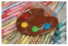 Create chocolate painter's palette favor for an art-themed party. Art Themed Party, Art Party, Themed Parties, Cupcakes, Cupcake Cakes, Cupcake Toppers, Kunst Party, Chocolate Palette, Fiestas Party