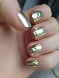 Our Friday beauty trend to try! Would you rock this high-shine manicure? Love Nails, How To Do Nails, Pretty Nails, My Nails, Shiny Nails, Glam Nails, Metallic Nail Polish, Metallic Gold, Gold Foil