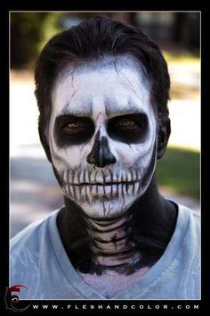 Skull make-up, awesome!