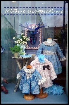 Escaparate moda infantil otoño.