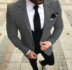 Love this jacket. Could see many colors with it to make it pop, although this is a nice look.