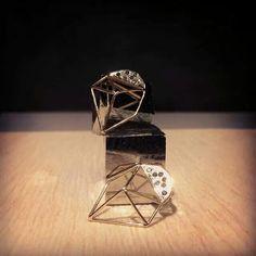 Orecchini STELLA oro 18kt e diamanti neri. Atelier VM