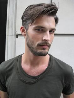 "Receive fantastic tips on ""mens hairstyles medium"". They are accessible for you on our web site. Latest Haircuts, Popular Haircuts, Cool Haircuts, Hairstyles Haircuts, Haircuts For Men, Medium Hair Cuts, Medium Hair Styles, Short Hair Styles, Mens Hairstyles With Beard"
