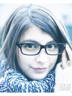 glasses-girl:  マギー