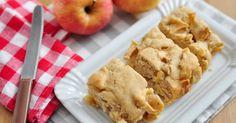 Apple Brownies Recipe Desserts with apples, all-purpose flour, sugar, orange… Apple Desserts, Köstliche Desserts, Apple Recipes, Fall Recipes, Delicious Desserts, Dessert Recipes, Yummy Food, Winter Desserts, Fruit Recipes