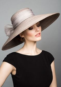 Rachel Trevor Morgan, S/S 2015. Grey Italian braid straw side sweep with silk organza bow. #passion4hats