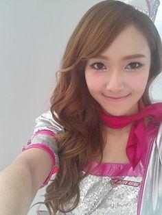 Girls' Generation's Jessica transforms into a stewardess