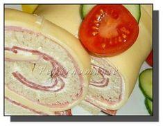 Na potravinářskou fólii rozložíme plátkový sýr tak, aby se dobře překrýval – pokud ho překryjeme málo (nedostatečně), můžou se při rolování... Honeydew, Fruit, Food, Honeydew Melon, Essen, Yemek, Meals