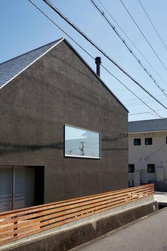 山里のいえ: toki Architect design officeが手掛けたtranslation missing: jp.style.家.modern家です。