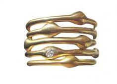 Love just one seaweed diamonds band with Turbino and wedding ring