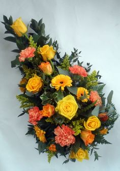 Yellow is the colour of friendship, this single ended spray will capture special memories of happy times together Funeral Flower Arrangements, Funeral Flowers, Floral Arrangements, Funeral Sprays, Sympathy Flowers, Floral Wreath, Bright, Wreaths, Diy