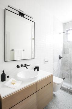 Best Design Of Minimalist Scandinavian Bathroom Style Ideas Baños Shabby Chic, Shabby Chic Bedrooms, Shabby Chic Homes, Scandinavian Bathroom Design Ideas, Bathroom Interior Design, Scandinavian Apartment, Bad Inspiration, Bathroom Inspiration, Modern Bathroom Tile