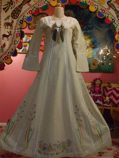 VTG 60s 70s HIPPIE BI ahould marry my man AGAIN just to get to wear this dress!!        BOHO JOSEFA EMBROIDERED VELVET ETHNIC MEXICAN WEDDING DRESS
