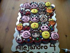 Farm animals cupcake cake