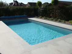 zwembad Beautiful Pools, Garden Inspiration, Diys, Places, Outdoor Decor, Home Decor, Sewing Projects, Water Pond, Swimming