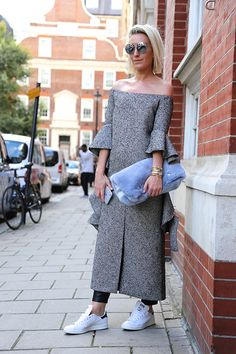 Street Style: off-the-shoulder dresses with leggings.