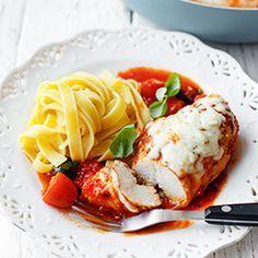 Filety z kurczaka w sosie pomidorowym z mozzarellą | Kwestia Smaku