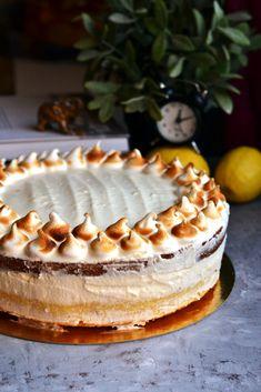 Citromtorta lemon curddel és citromos habcsókkrémmel | Sütigolyó Hungarian Desserts, Hungarian Recipes, Smoothie Fruit, Cake Recipes, Dessert Recipes, Pastry Cake, Pavlova, Cakes And More, Cake Cookies
