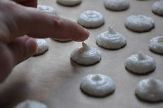 Macarons für Anfänger (alles was Sie schon immer über Macarons wissen wollten) backen macarons rezepte nachspeisen Französisch Kochen by Aurélie Bastian