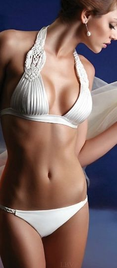 Hot sexy white bikini!! Love it!