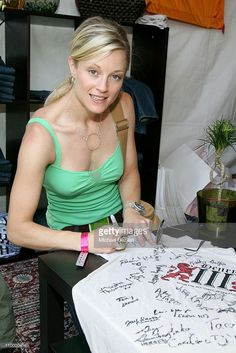 Teri Polo at Henry III Generation during Henry III Generation at 2006 Silver Spoon Emmy Suite - Day 2 at Wattles Mansion in Los Angeles, California, United States. Teri Polo, Silver Spoons, 2 Photos, Sport Girl, Mansion, The Fosters, United States, California, Actresses