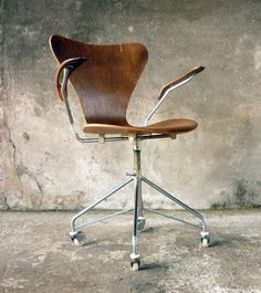 lily chair arne jacobsen grab this furniture in miniature version here arne jacobsen office chair