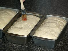 Baking hot bread recipes will have your neighbors drooling; various types of flour and leavening agents like yeast make aromas which expels the best aromas. Best Bread Recipe, Bread Recipes, Baking Recipes, How To Make Homemade, How To Make Bread, Triple A Recipe, Types Of Flour, Pork Chop Recipes
