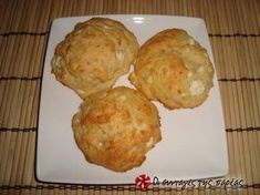 Great recipe for Mini cheese pies in an instant. As the title suggests, this is a recipe for mini cheese pies that are really quick to make without filo or dough. Recipe by akilina Savory Muffins, Greek Cooking, Savoury Baking, Recipe Images, Sweet And Salty, Greek Recipes, Tray Bakes, Finger Foods, Tapas