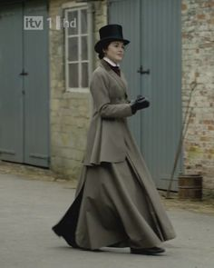Lady Mary in her riding attire
