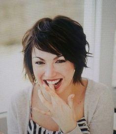 Pittig halflang haar kapsel bij Jolanda's Haarmode Zeist: