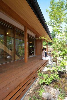Japanese Modern House, Japanese Living Rooms, Modern Japanese Architecture, Zen House, House Deck, Facade House, Home Room Design, House Design, Japan Interior
