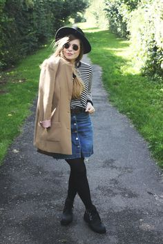 How to be parisian.  Outfit with stripes and denim skirt