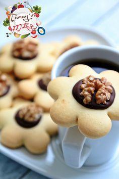 cevizli çiçek kurabiyeson