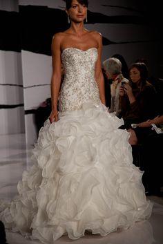 Wedding_dress_dennis_basso_fashion_week