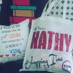 Shopping time!!!!!! Compra tu Cojin #personalizado por ambos lados y lleva una bolsa Shopping time para usarla en tus compras!!!!! $8000 cojin  funda  bolsa  Elige las fotos mas lindas y transformalas en un regalo espectacular! #decohogar #regalospersonalizados #instachile #cojinespersonalizados #cosasdemujeres #vicioregalos #shopping