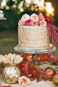 gold glitter cake wi