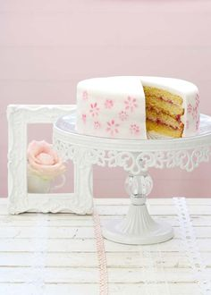 Pretty cake stands on pinterest cake stands sweets and for Pretty cake stands