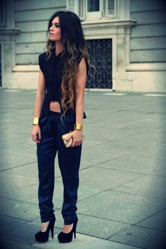"Top Summer 2013 Fashion Trends: Total black look de Pantalones y top + tendencia ""cut off"" + maxi accesorios dorados"