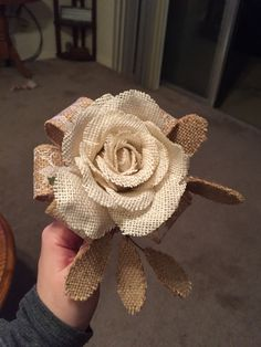 Burlap Rose.  It's so pretty, but only the pic.  No tutorial.